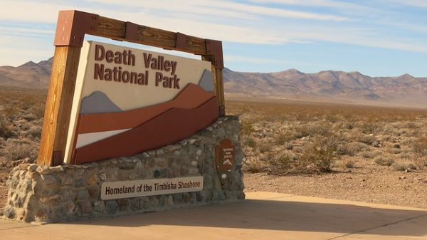 death-valley-visitor-center