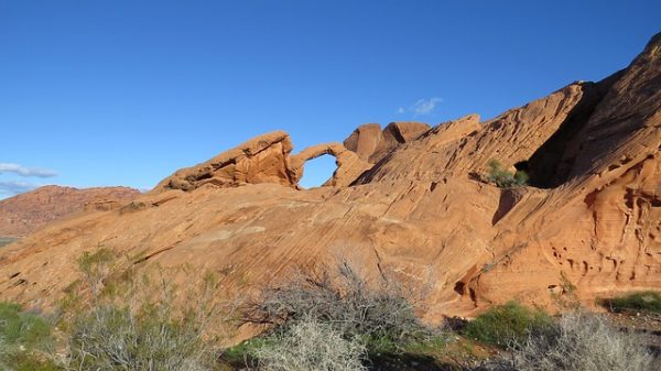 valley-of-fire-bezienswaardigheden-arch-rock