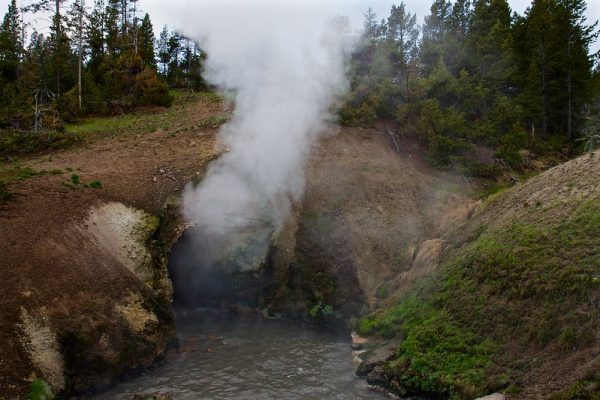 dragon's-mouth-spring-yellowstone-national-park
