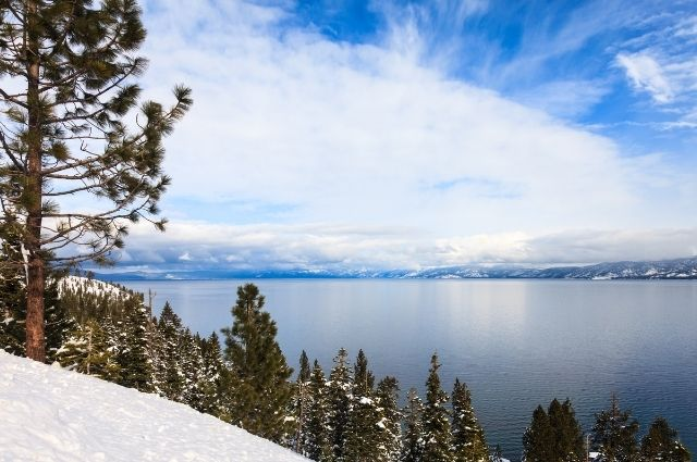lake-tahoe-in-de-winter