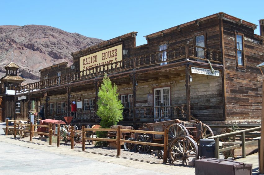 calico-ghost-town-saloon